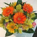 黄色のガーベラ&アルストロメリアとオレンジ色のガーベラで明るく元気なアレンジメント!