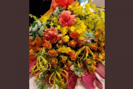 結婚記念日に花束は、いかがですか?