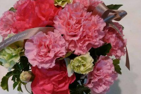 もうすぐ母の日!記念にお花の贈り物はいかがですか?