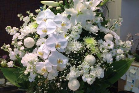 特集 お悔やみの花