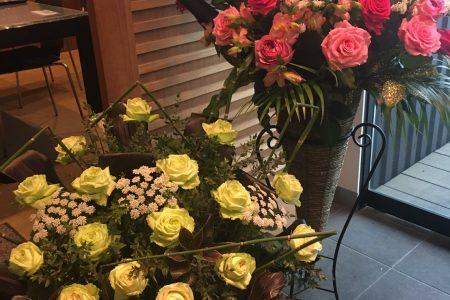 開店祝いなどにスタンド花をいかがですか?
